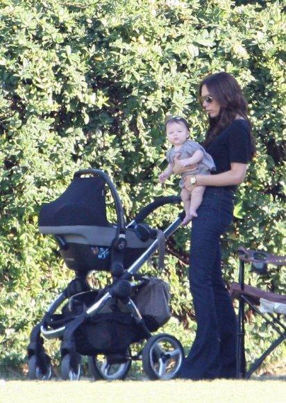 Victoria Beckham su dukrele Harper Seven