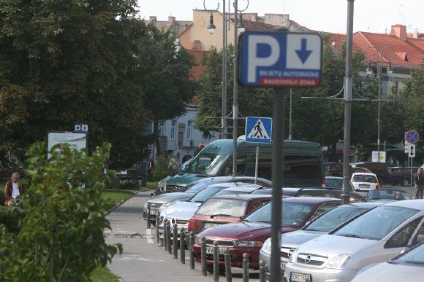 Valandai palikti automobilį Vokiečių gatvėje jau lapkritį kainuos 6 Lt.
