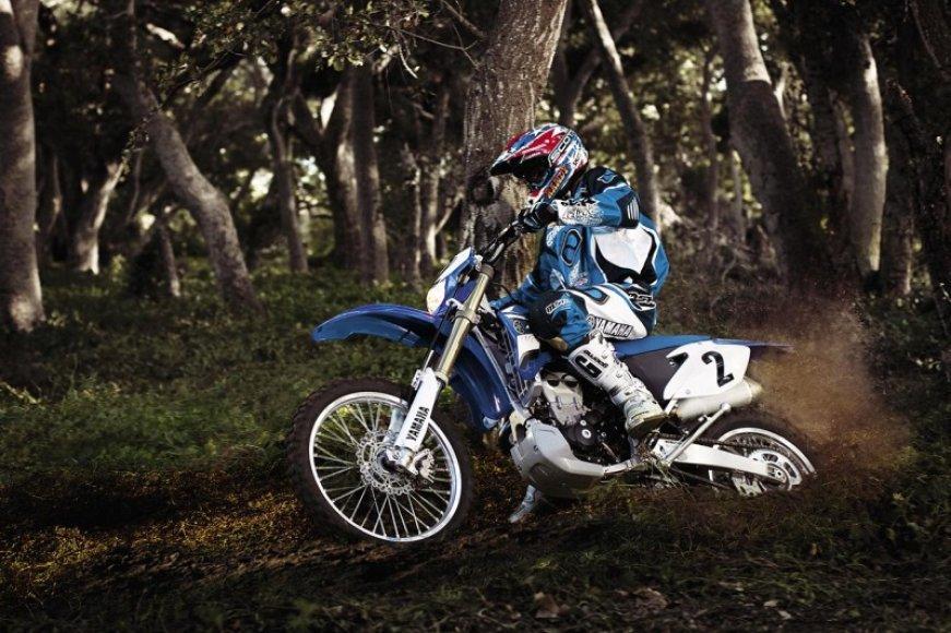 """Žygis motociklais """"Aplink Lietuvą 2010"""": """"enduro"""" motociklai"""