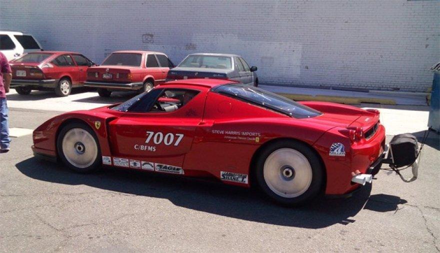 """Ferrari Enzo"" prikeltas lenktynėms dykumoje"
