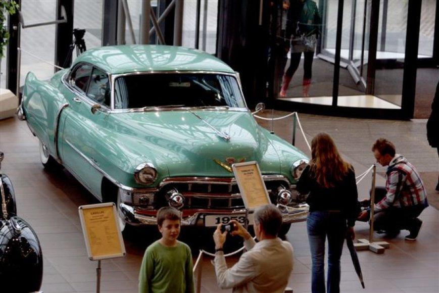 """""""Cadillac"""" kolekcija - už save kalbanti automobilių istorija"""