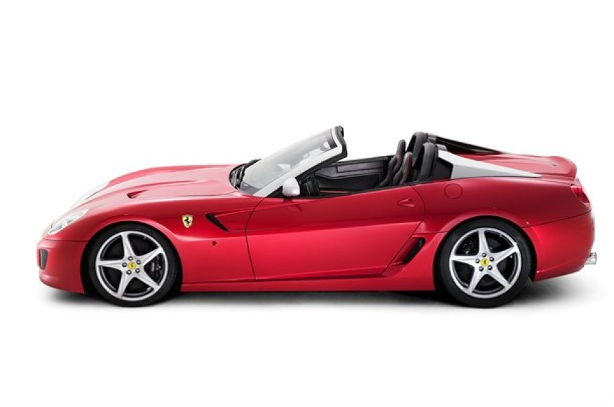 """Ferrari 599 SA APERTA"" visi egzemplioriai jau parduoti"