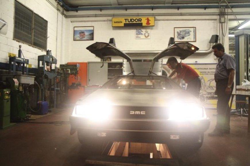 "Atgal į ateitį – elektrifikuotas ""DeLorean"""
