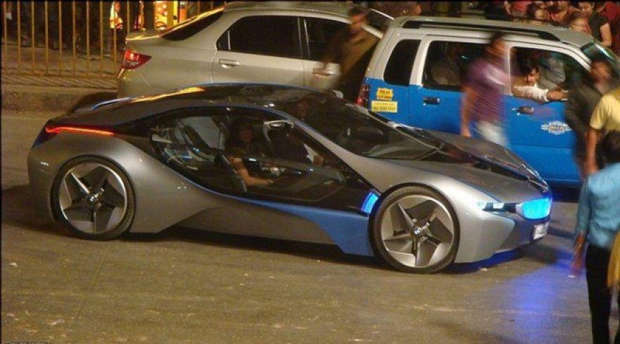 """""""BMW Vision EfficientDynamics"""" """"Misija neįmanoma 4"""" filmavimo aikštelėje"""