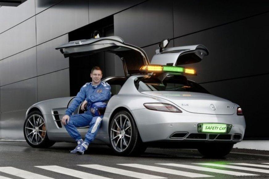 """Mercedes-Benz SLS AMG"" ir Berndas Meilanderis"