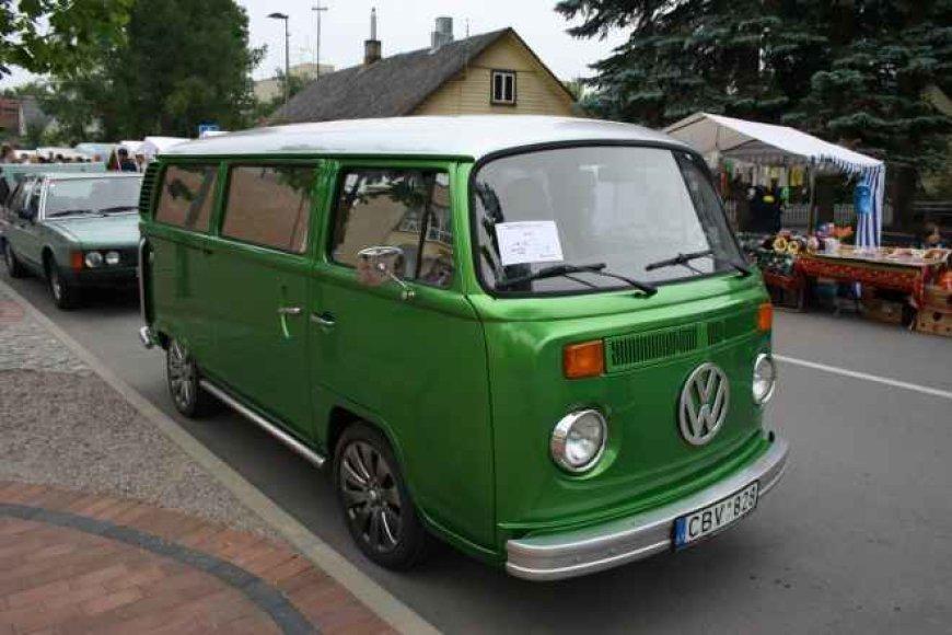 Netradicinių automobilių paroda Birštone