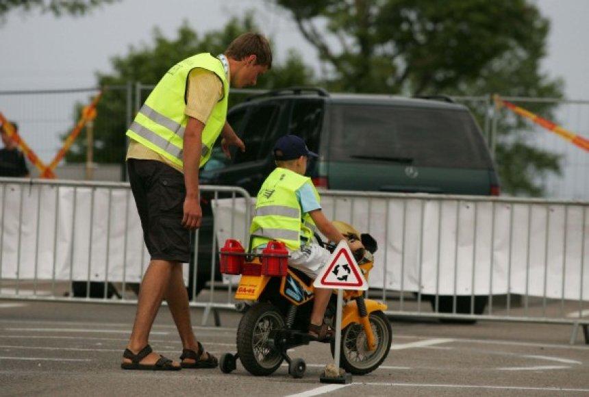 Palangos lenktynėse – saugaus eismo pagrindai