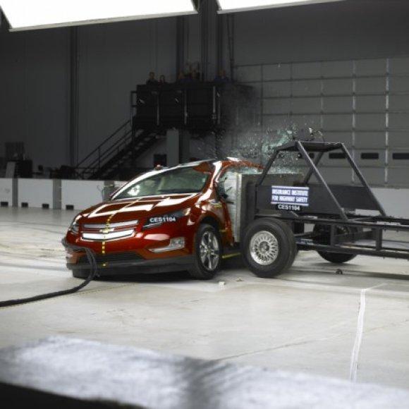 """Chevrolet Volt"" saugumo bandymai"