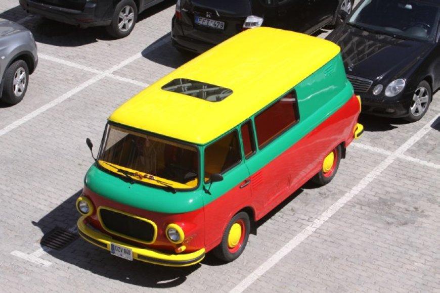 "Antano Nedzinsko ""Barkaz B1000"" autobusiukas"