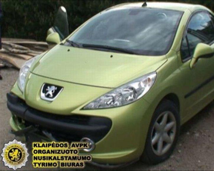 """Už automobilį """"Peugeot 207 CC"""" siekė gauti 43 tūkst. litų."""