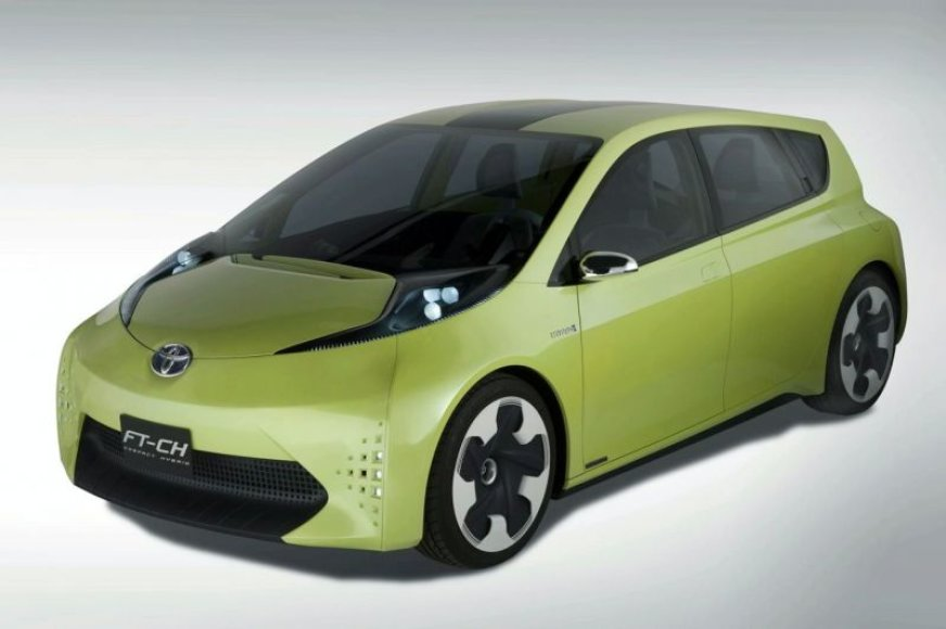 """""""Toyota FT-CH"""" koncepcija – naujasis miesto hibridas"""
