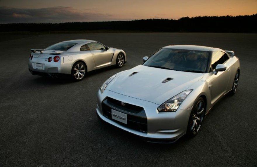 """""""Nissan GT-R"""" – techniškai geriausias pasaulio metų automobilis"""