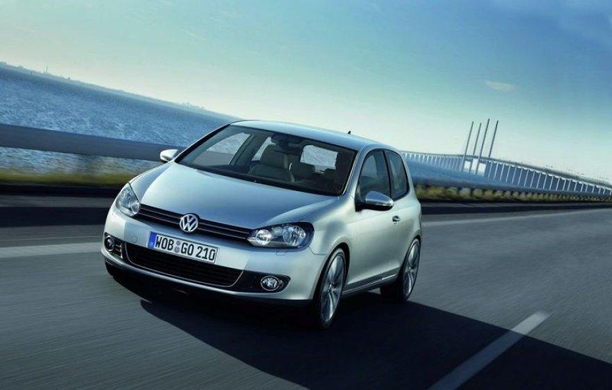 """Naujasis """"Volkswagen Golf"""" – pasaulio metų automobilis"""