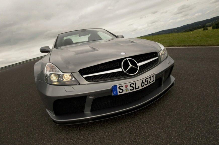 """Arabai įsigijo 9,1 proc. """"Daimler"""" akcijų"""