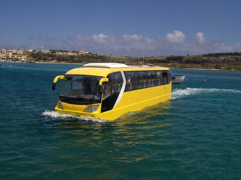 """AmphiCoach GTS-1"" – autobusas kelionei sausuma ir vandeniu"