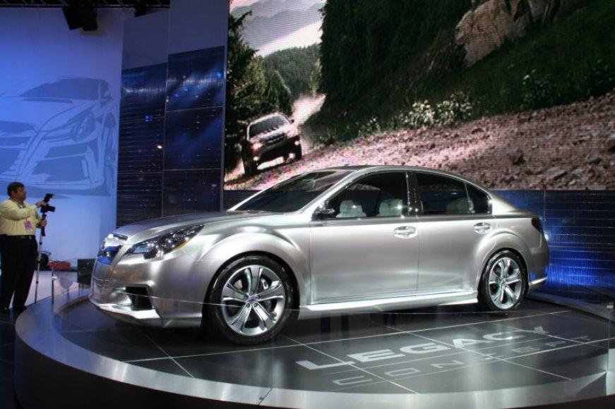 """Atskleistas """"Subaru Legacy Concept"""" veidas"""