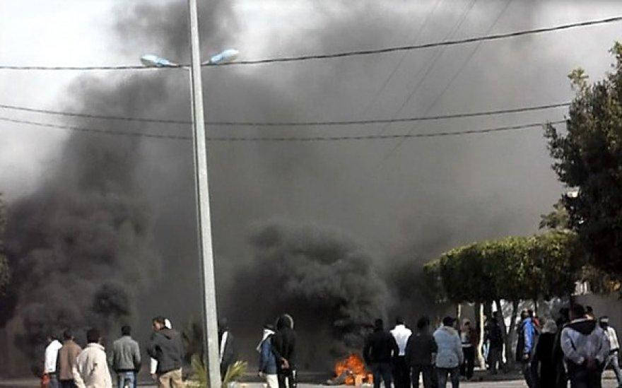 Protestantai degina padangas