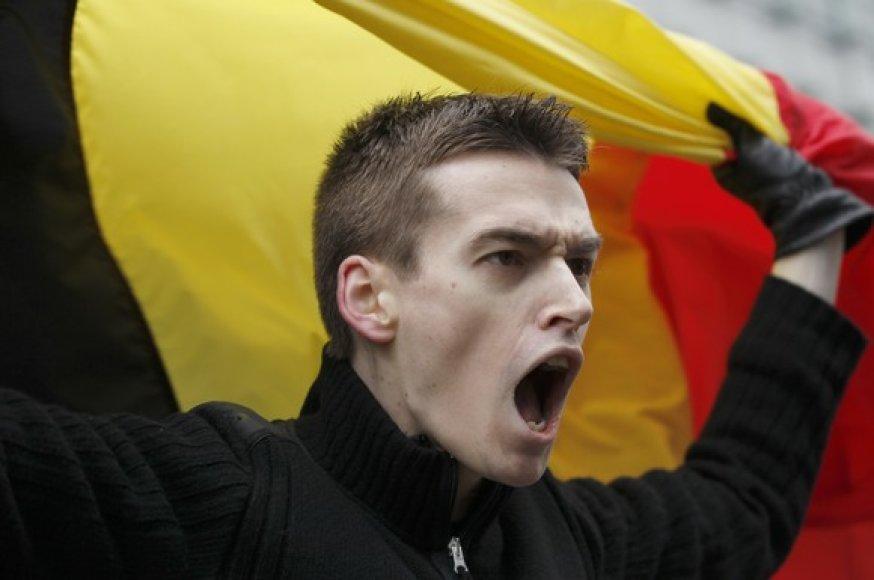 Vyras su Belgijos vėliava