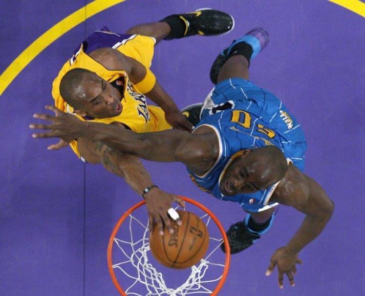 Kobe Bryanto dėjimas į krepšį