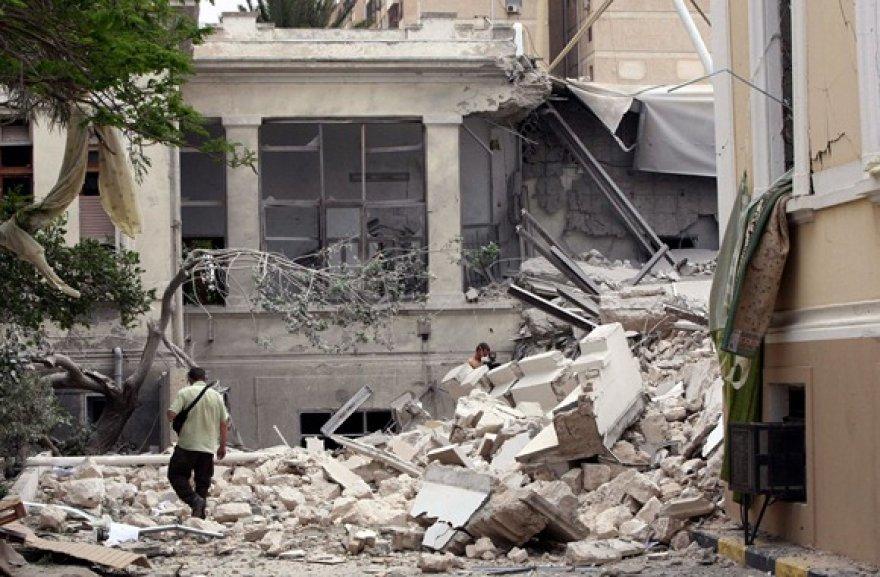 Per NATO oro atakas sugriautas pastatas Tripolyje