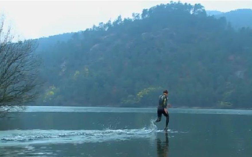 Bėgimas ant vandens