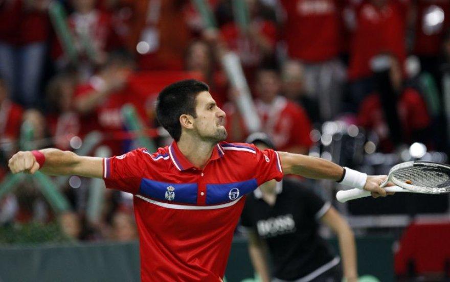 N.Djokovičiaus dėka Serbija tęsia kovą dėl nugalėtojo titulo