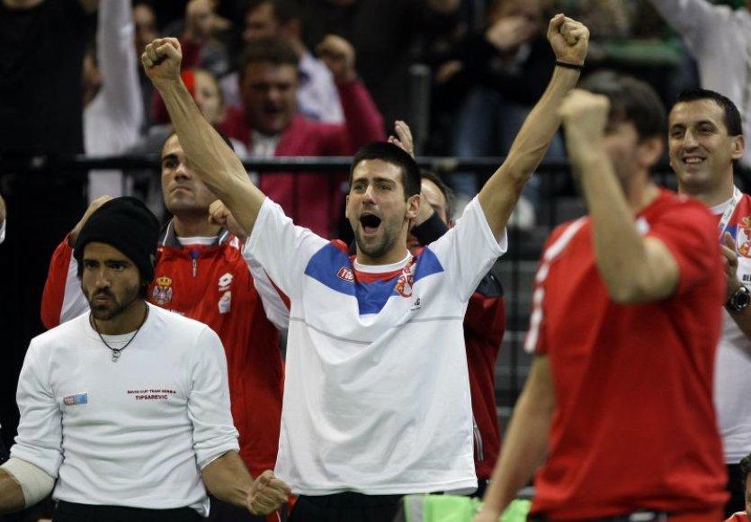 Triumfuojantys Serbijos rinktinės nariai