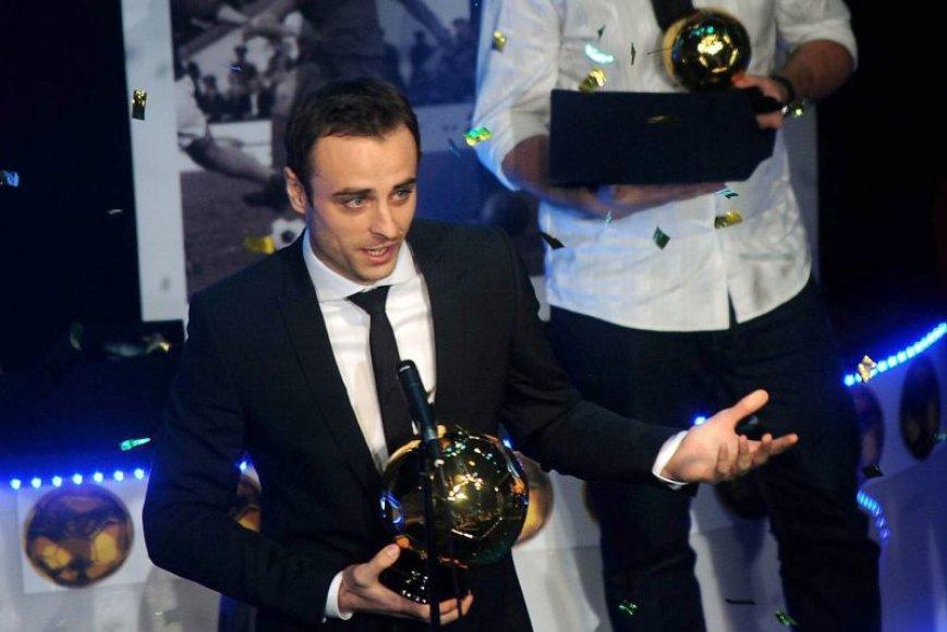 D.Berbatovas atsiima geriausio šalies futbolininko apdovanojimą