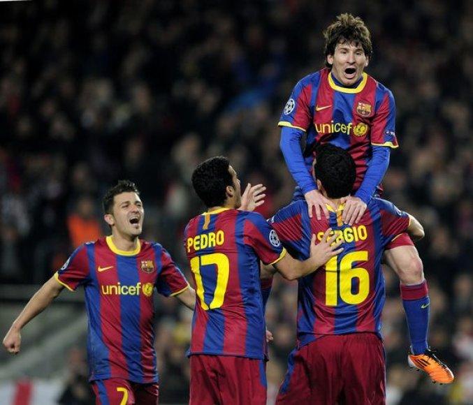 Triumfuoja Messi vedamas Barselonos klubas