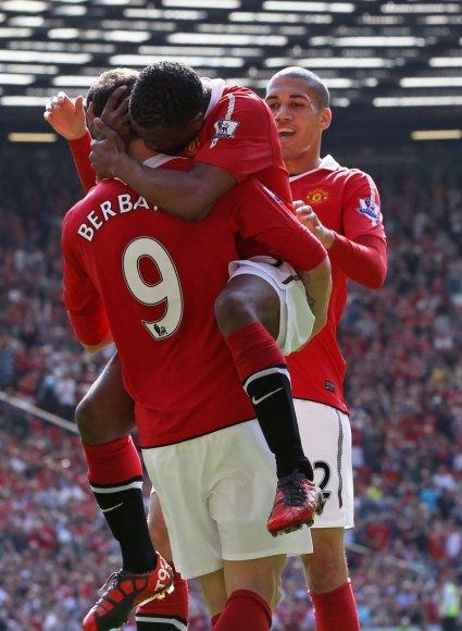 """Manchester United"" išlieka čempionato lyderiais."