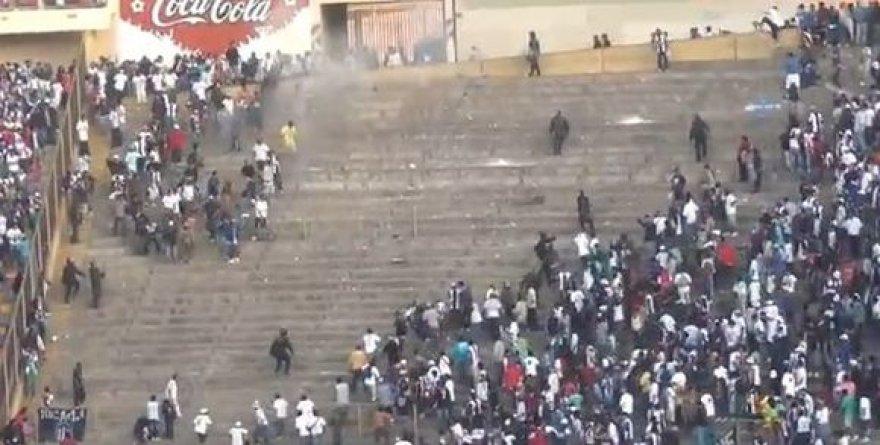 Peru įvyko tragedija, žuvo futbolo sirgalius