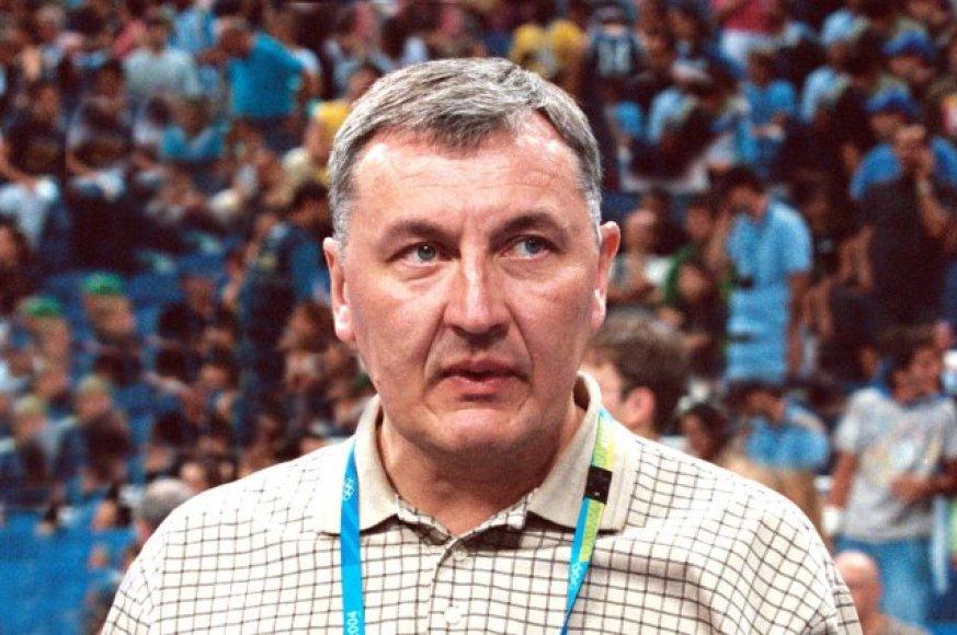 Jono Kazlausko debiutas pažymėtas nesėkme.
