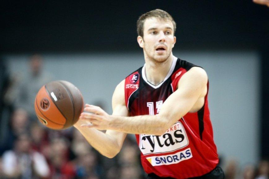 M.Gecevičius pelnė 15 taškų