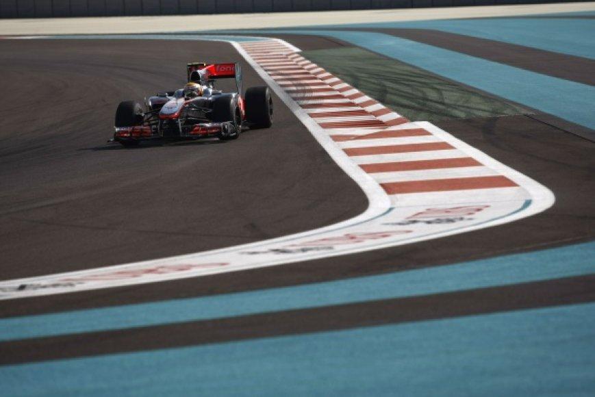 L.Hamiltonas treniruotėse buvo greičiausias