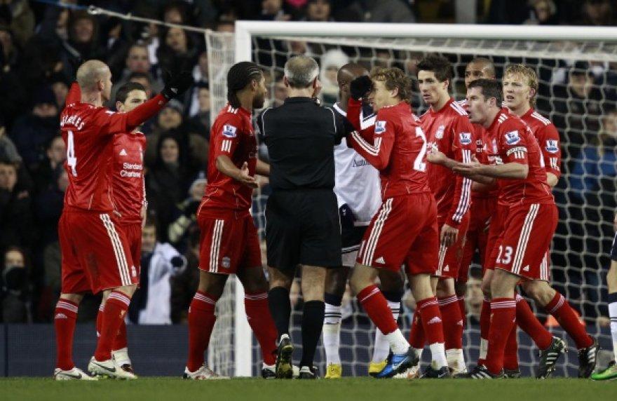 Oro sąlygos koreguoja Anglijos futbolo čempionato tvarkaraštį