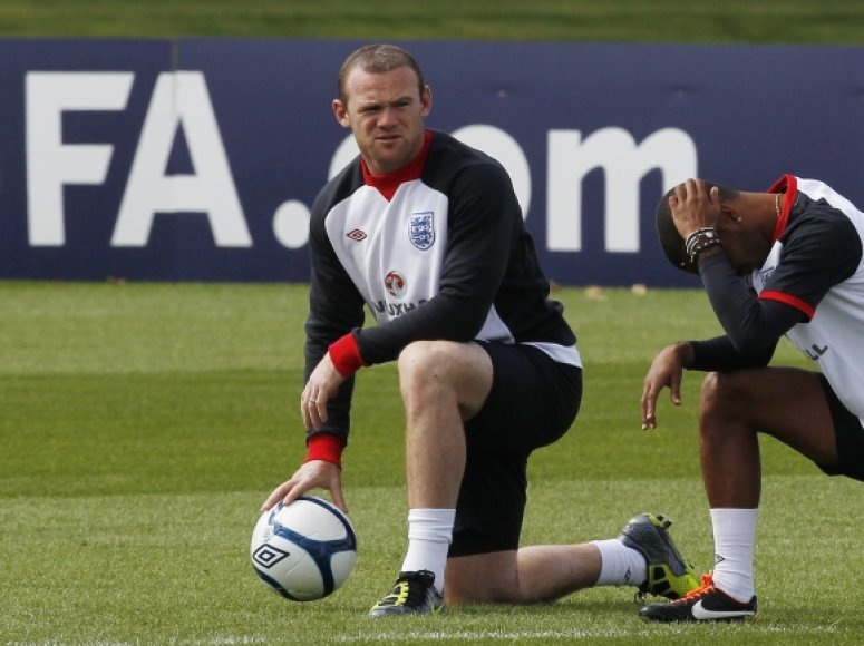 Wayne'as Rooney Anglijos rinktinės treniruotėje