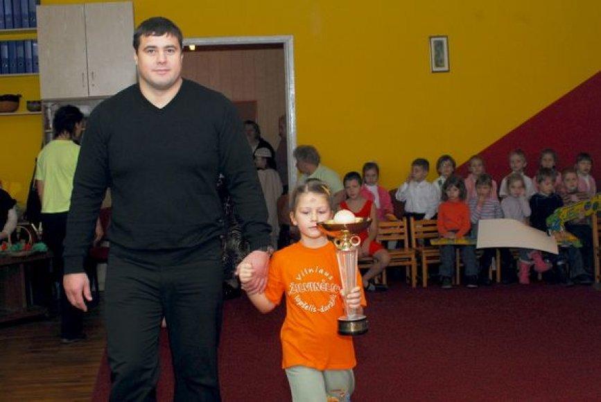 Mindaugas Mizgaitis darželinukų sporto šventėje