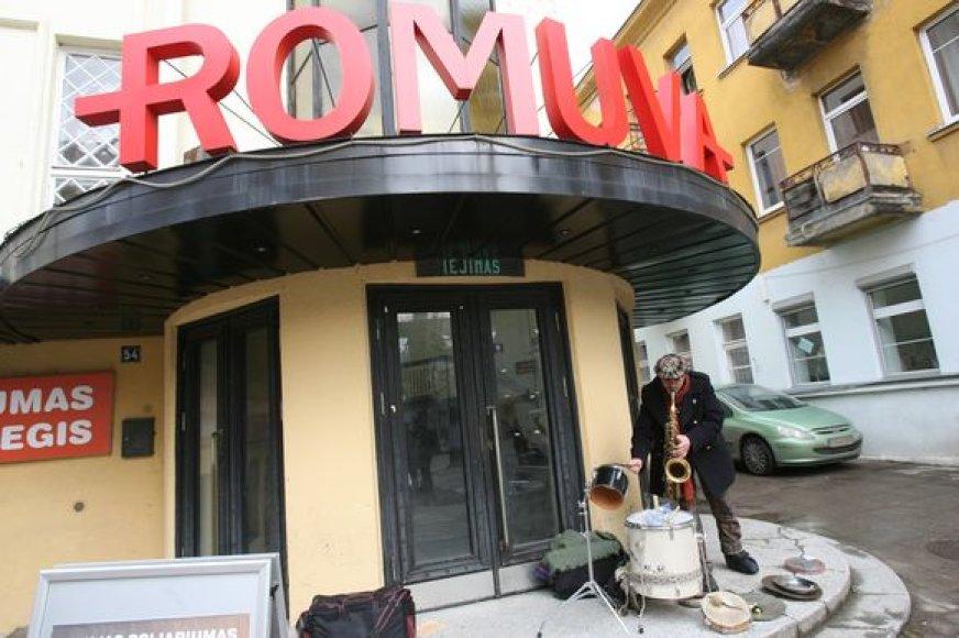"""""""Romuvos"""" kino teatras buvo atsidūręs ties išnykimo riba."""