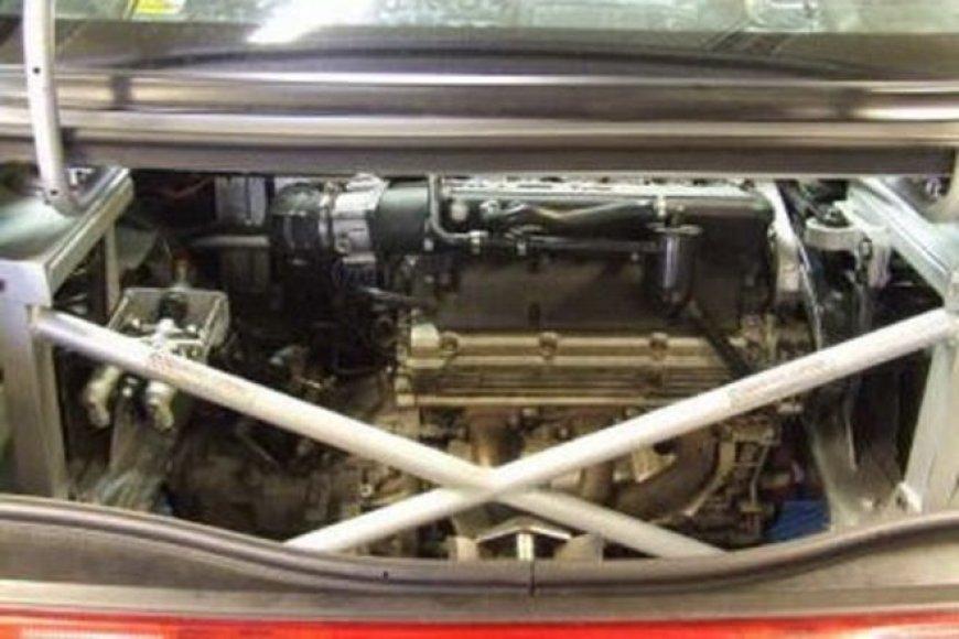"""Dviejų varikliu """"Alfa Romeo GTV"""""""