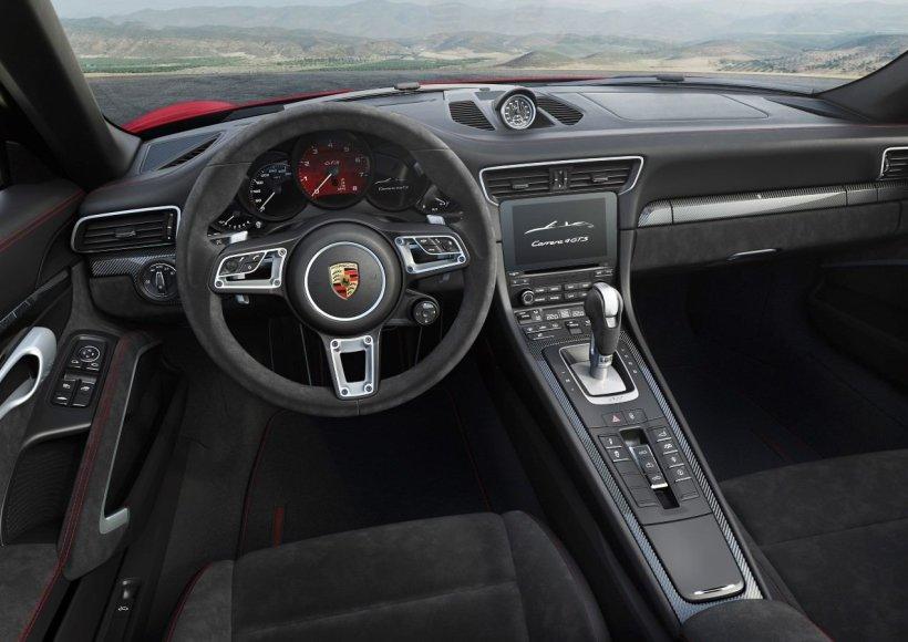"""""""Porsche"""" nuotr./""""Porsche 911 Carrera 4 GTS Cabrio"""""""
