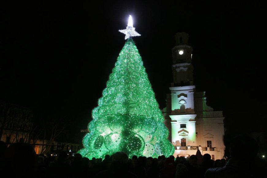 Kaune įžiebta Kalėdų eglė