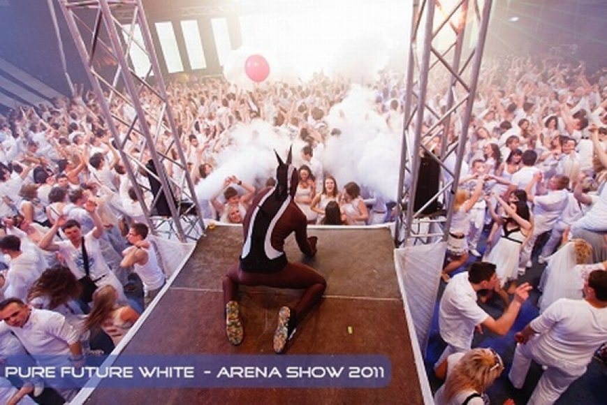 Pure Future White_2