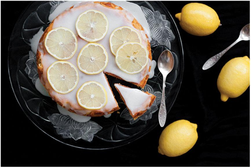 Saldus citrininis pyragas su bulvėmis