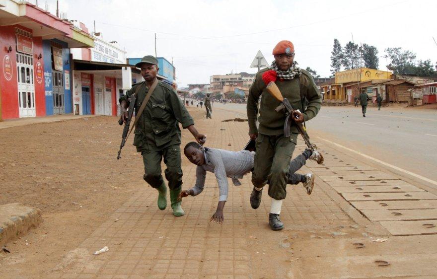 Kongo kariai suima protestuotoją