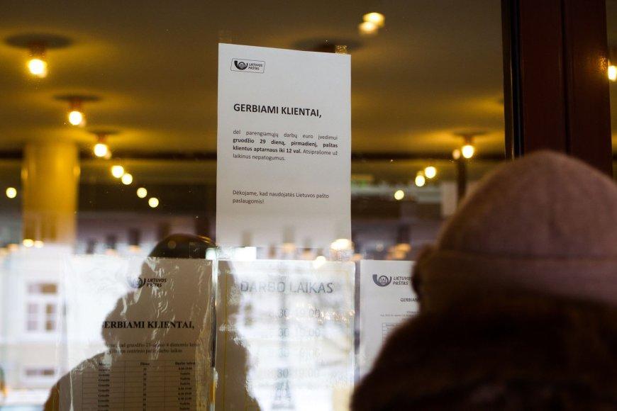 Euro įvedimu užsiėmęs Lietuvos paštas nepristato nei laiškų, nei siuntų