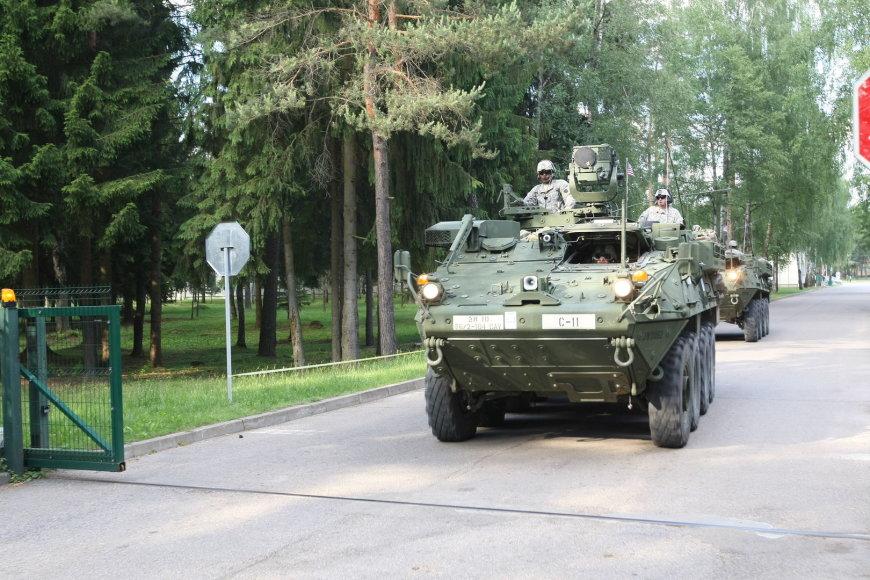 """JAV kariai ir Rukloje šarvuotos kovos mašinos """"Stryker"""" Rukloje"""