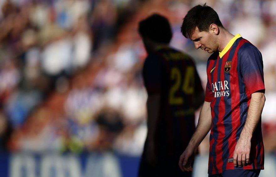 Lionelis Messi iš aikštės išėjo nuleidęs galvą