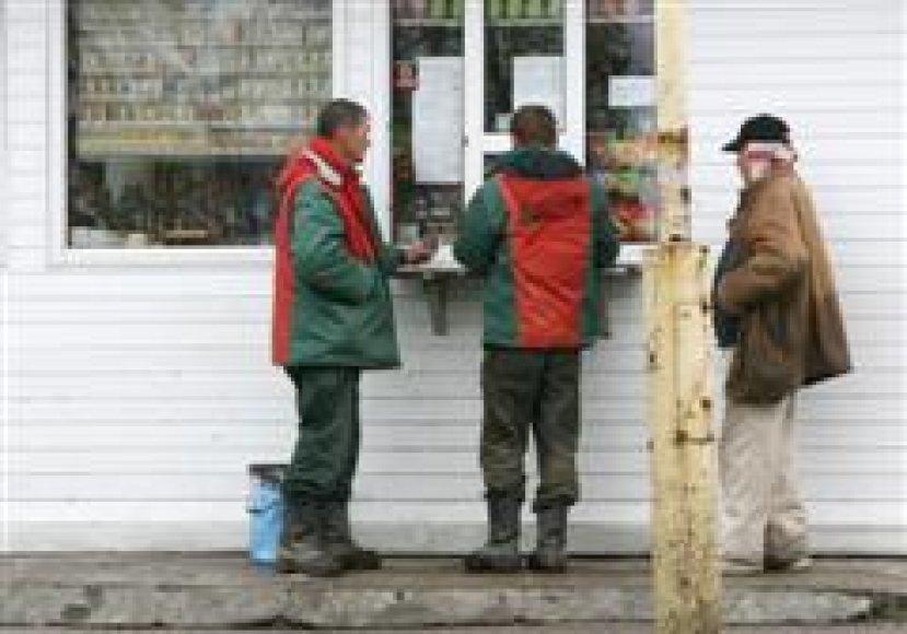 Siekiui apriboti kioskų galimybes prekiauti alumi ir sidru Kauno politikai nepritarė.