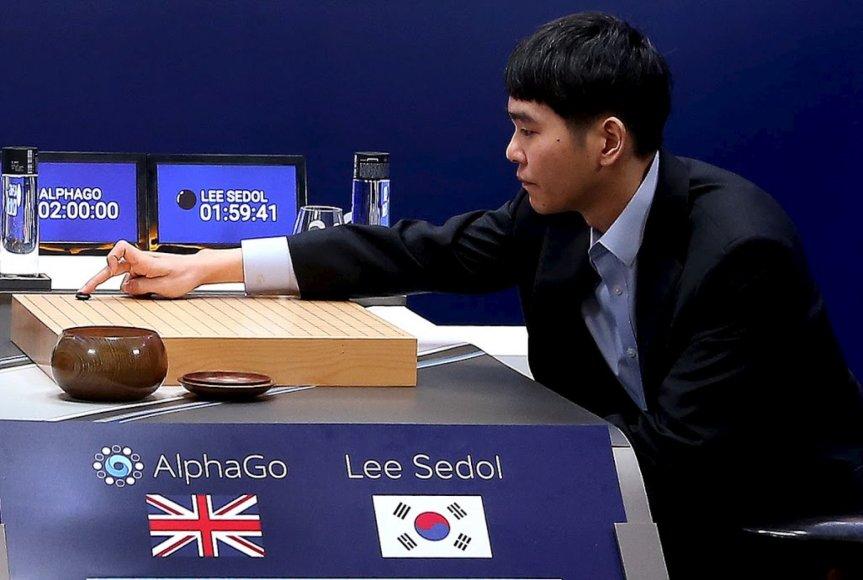 """Lee Se-dolas žaiddžia prieš """"AlphaGo"""""""