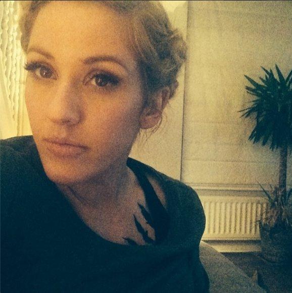 Ellie Goulding su nauja tatuiruote